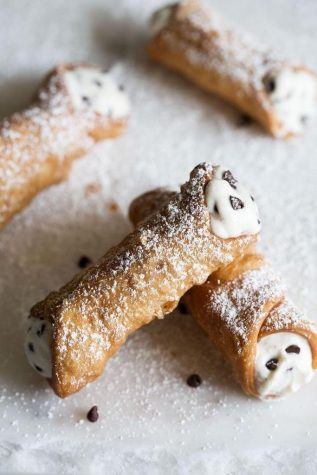 Recipe of the Issue: Cannoli